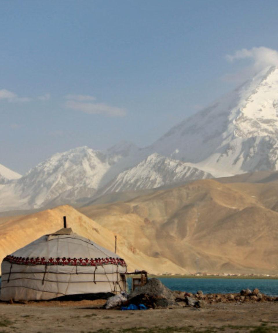 FEATURED IMAGE Yurt-and-Mushtaq-Ata-peak-Karakorum-181444428_3654x2436