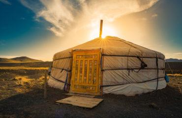 GER Mongolia accommodation_672687553