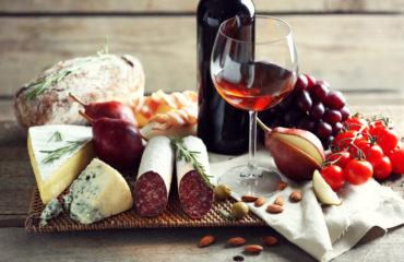 Italian food and wine still life_313019564