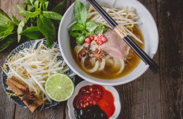 Vietnamese Pho Noodle Soup_599097446
