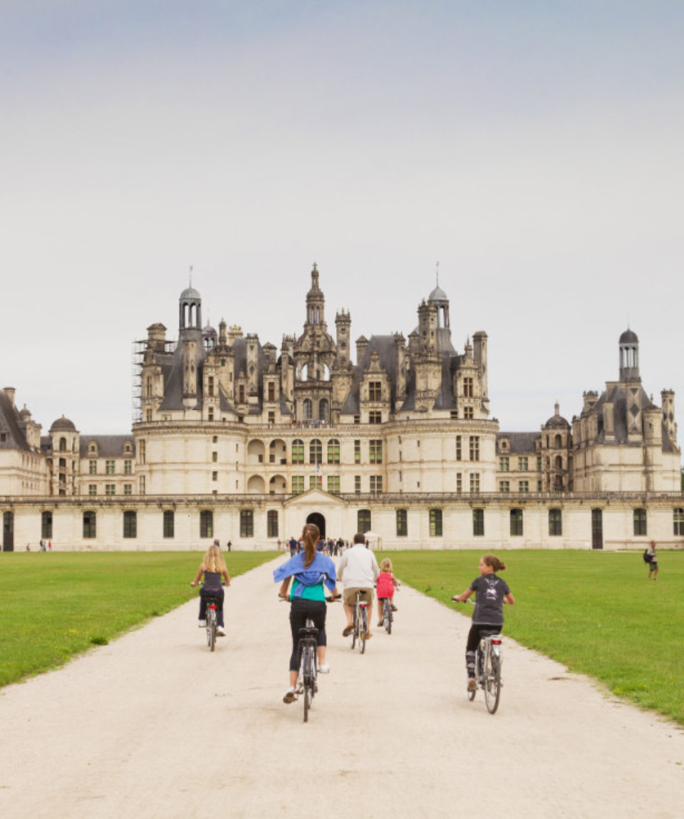 FEATURED IMAGE The chateau at Chambord, Loire Valley, France ED_613127975